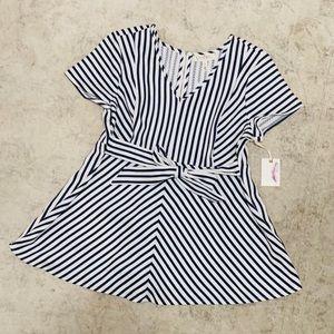 Jessica Simpson/ Motherhood Maternity blouse
